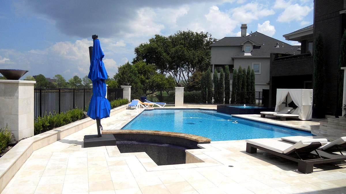 Las colinas swimming pool construction las colinas pool for Pool companies